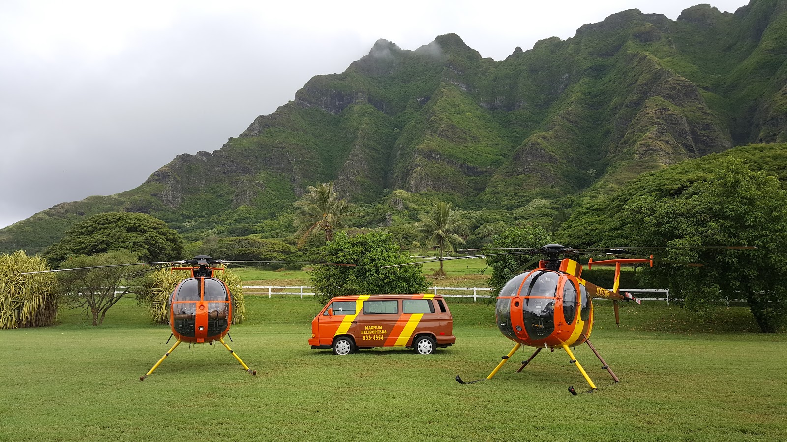 Magnum Helicopter Ride-Oahu, Hawaii Doors Off Helicopter Experience